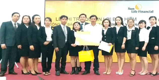 Sun Life Việt Nam chi trả quyền lợi bảo hiểm