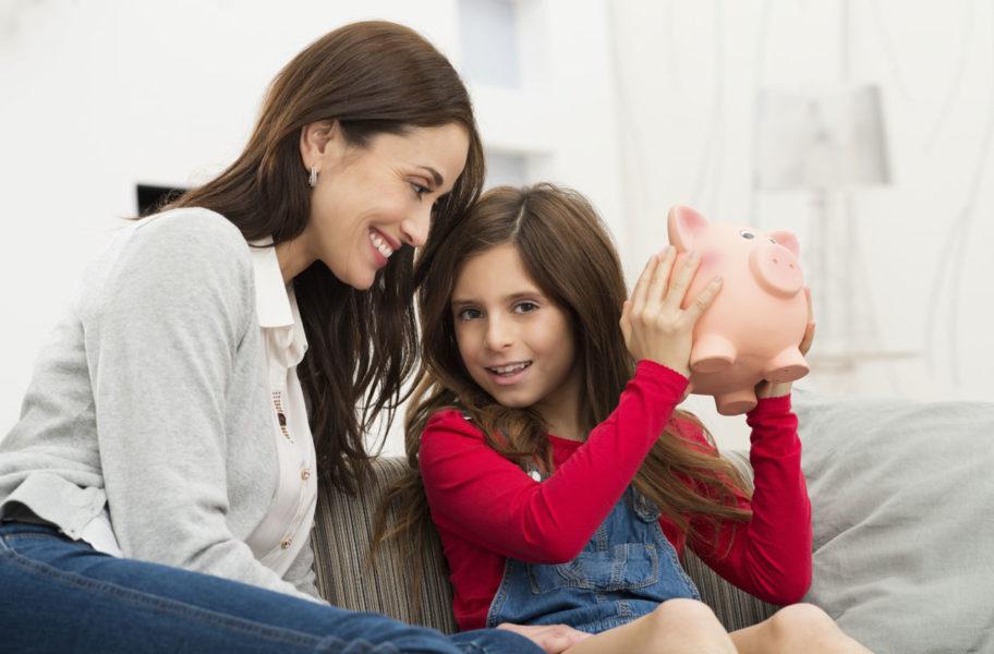 Cha mẹ nên chia sẻ với con về kế hoạch tài chính tương lai